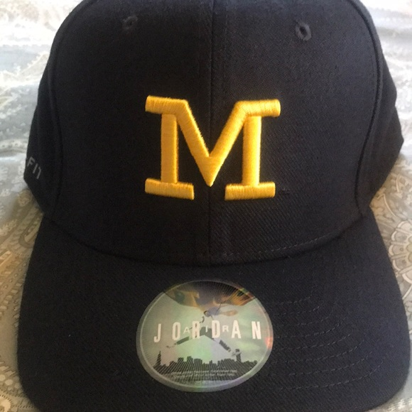 3ac96d5f3 Michigan Jordan Dri-Fit hat L/XL Hat never worn NWT